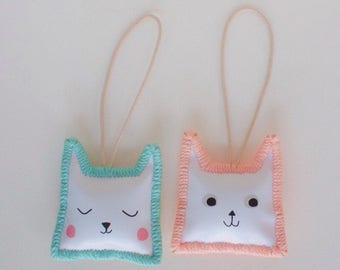 Cats Key-Bag-Reviewmirror Hanger | Hand Made | Pink (peach) or Blue stitches