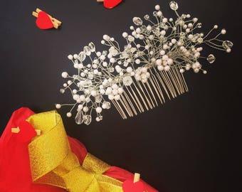 Bridal Hair Comb, Crystal Bridal Comb, Pearl Bridal Comb, Wedding Hair Comb, Delicate Hair Comb, Pearl and Crystal Bridal Comb, Pearl Comb.