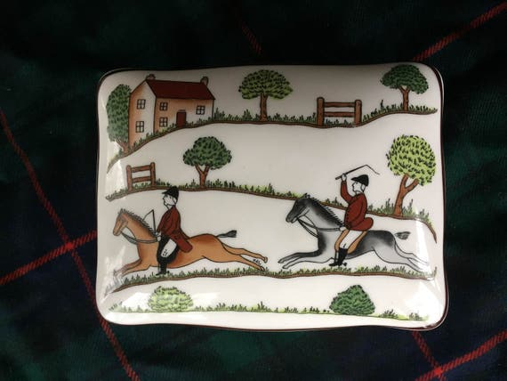 CoalPort Hunting Scene Fine Bone China Lidded Box, Made in England, Equestrian Scene