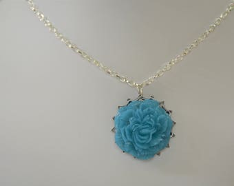 Turquoise Resin Flower Necklace