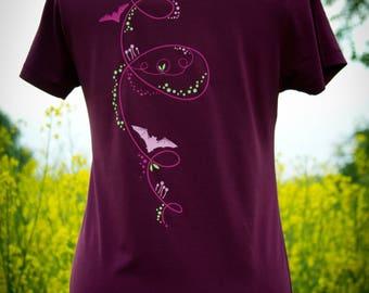 T-Shirt / / bat & dancing dots