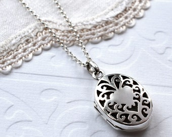 Sterling Silver Vintage Oval Locket