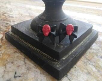 Red Skull Bows