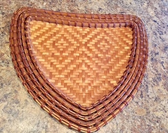 Vintage Nesting Wicker/Rattan Serving Trays