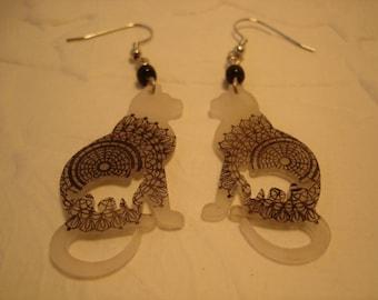 doily kitty earrings