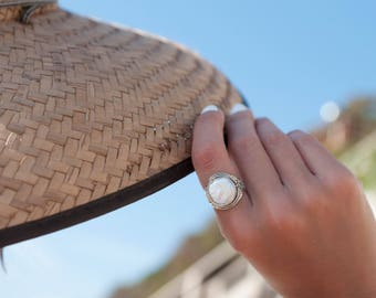 Mother of Pearl Ring ~ White ~ Natural ~ Gemstone ~ Organic ~ Statement ~ Sterling Silver 925 ~ Handmade ~ Raw ~ Gypsy ~ Hippie ~ Boho~MR058
