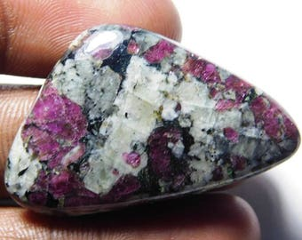 Natural Eudialyte  cabochon Eudialyte  loose  gems  stone   tringle        shape  cabochon   size 41 ct 40x25x4  Sr -294