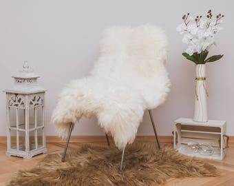 Beautiful Iceland SHEEPSKIN rug. White Throw Sheep Skin 48'' x 28'' Long Fur And Very Fluffy