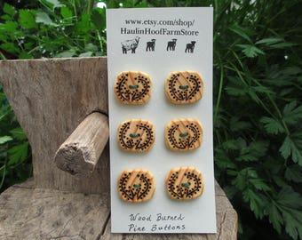 Wood button/wood burned buttons/handmade wooden buttons/decorative buttons/large wood buttons/sustainable buttons/artistic buttons/pine wood
