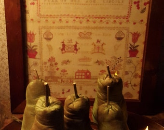 Primitive grubby pears.UK buyers only
