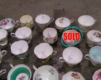 Various tea cups, no saucers.