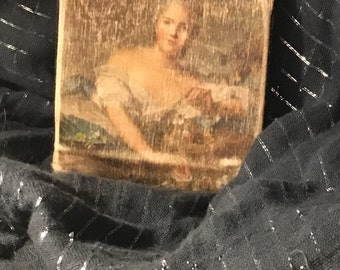 Adorable vintage Italian coin purse with posed lady