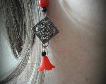 Earring flamenco red and black beads and dangling copper color