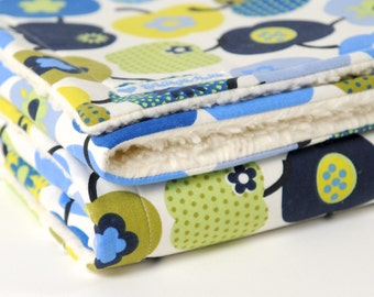 "Baby blanket, ""retro apples"", blue, blankie, with baby on the way, cotton blanket,"