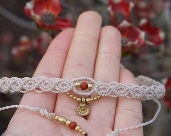 Macrame Necklace (Choker) in beige