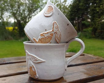 LARGE Hand thrown stoneware ceramic pottery 'Moon Gazing Hare' Coffee Mug Tea Cup shiny white glaze Brown Hare White Hare
