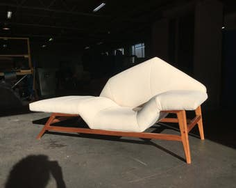 """daybed""""festival theatre"""" inspired"""