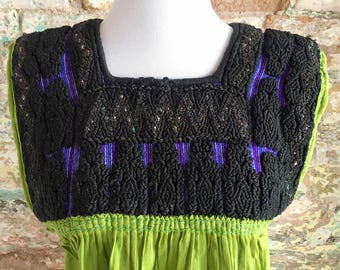 Mexican Embroidered Top / Mexican Peasant Blouse /Mexican Embroidered Blouse / Bohemian Embroidered Top / Green Mexican Top