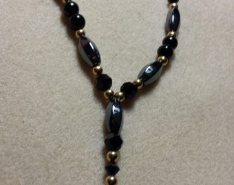 Necklace with magnets and swarovski