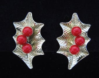 earrings signed Dodds gold tone holly clip ons