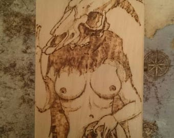 Hecate wooden box