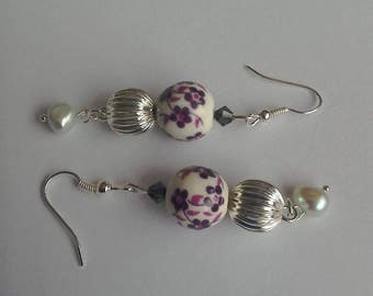 Vintage style Freshwater pearl and ceramic flower bead silver-plated earrings