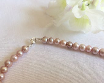 Light rose pearl necklace