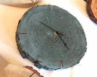 Tree round wall clock