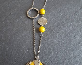 enamelled yellow round necklace
