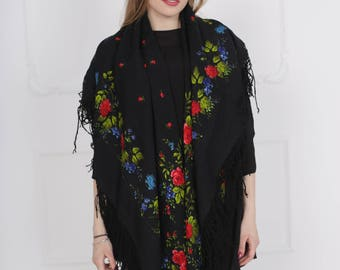 "Vintage shawl ""Flower Nocturne"""