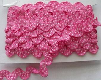 Ruffled Ric Rac - Bubblegum Pink - Trim - 1 Yard