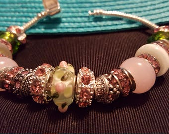 Bracelet pastel pink and green rosebud