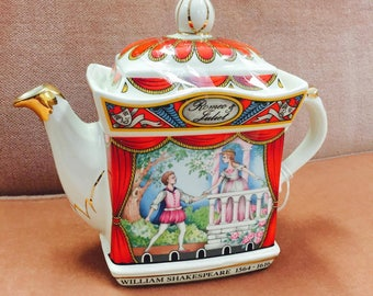 William Shakespeare's Romeo & Juliet Tea Pot 1564 - 1616