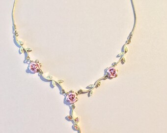 Silver and roses necklace