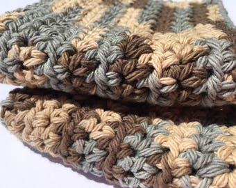 Set of 2 Handmade Crochet Washcloths in Brown and Beige // Housewarming Gift // Kitchen & Bath