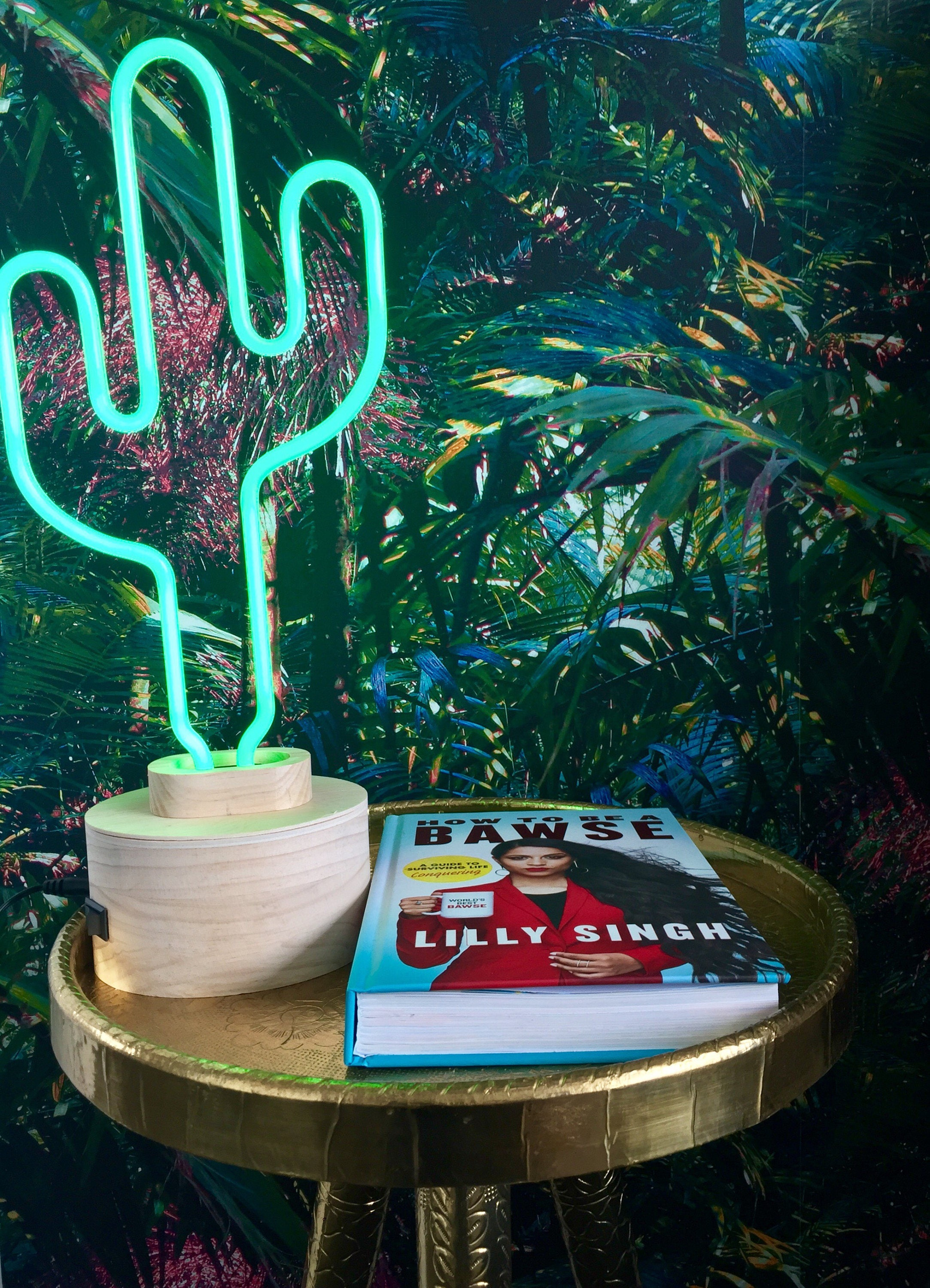 Neon Table Light: Chic & Cool Lumosnap Neon Green Cactus Table Light Or Desk
