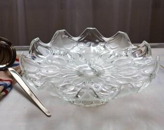 Large carved fruit vintage art deco cut fruit glass from the 1950's, engraved glass dessert dish, vintage art deco cup.
