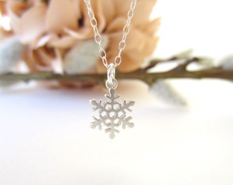 Tiny snowflake necklace, pendant necklace, delicate necklace, silver winter jewelry, minimalist jewelry, layering necklace, gold pendant