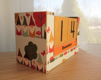 Wooden Block Perpetual Calendar - Gnomes in the Woods