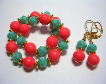 Coral Shell and Turquoise Crystal Stretch Bracelet and Earrings in Gold Stretchy Bracelet Gold Leverback Hooks Southwest Gifts under 10