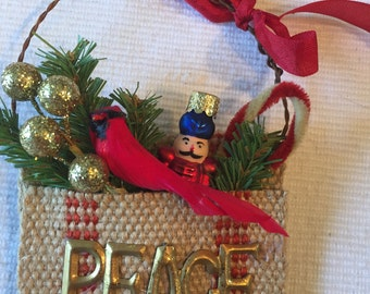 Burlap pocket Christmas ornament