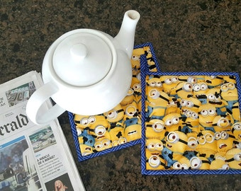 Cheerful Minions, Quilted Pot Holder Set,  Yellow, Cartoon, Super cute, trivet, hot pads, oven Mitts,
