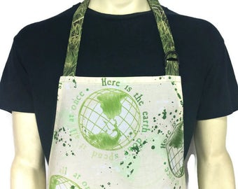 Earth Day Apron / Green and White / Globes with Environmental Sayings / Professional Chef apron / Adjustable with Pocket