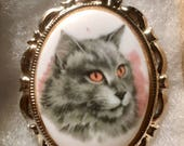 Gray Longhair CAT CAMEO Pin set in Silvertone