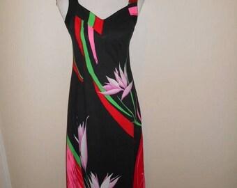 Vintage long floral dress 60s 70s   Print Maxi Hawaiian Dress Malama