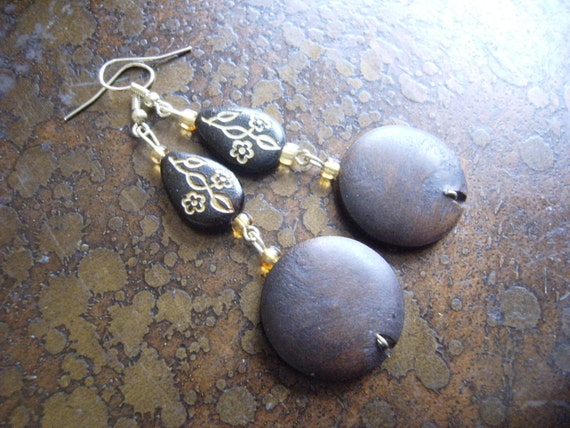 Herbal Wood Glass and Plastic Beaded Dangle earrings