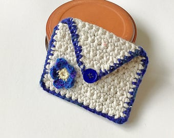 Leinster colours purse .... for cards, money, mp3, store cards, makeup, coins