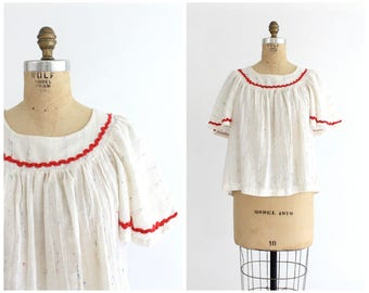 vintage 1960s speckled white & red flutter sleeve peasant top | 60s wide sleeve gauze blouse | vtg speckled flowy top | small / medium