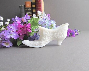 Vintage Milk Glass Slipper, Milk Glass Shoe, Art Glass Shoe