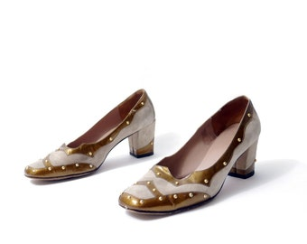 Vintage Hush Puppies Studded Metallic Bronze and Taupe/beige Suede Leather Golden Studded  Heels // Size 8.5 B// 133